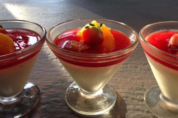 Baked Yogurt with strawberry